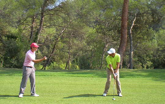 Coaching technique sur le terrain de golf